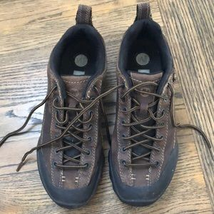 Men's Merrell hiking boots size 9.5